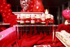 Push pops in Valentine colors