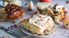 Cinnamon & Apple Rolls with Sticky Caramel & Nuts, and Cream Cheese - Ida Gran-Jansen Cinnamon Apples, Scones, Mashed Potatoes, Biscuits, Caramel, Muffin, Rolls, Baking, Breakfast