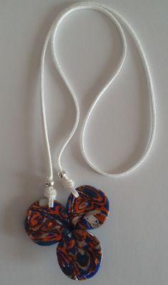 Die #Halskette ist artistisch handgeformt und hat eine besondere farbliche Mixture aus blau, orange, lucent-weiss und silber. Washer Necklace, Arts And Crafts, Handmade, Art Gallery, Jewelry, Orange, Jewel, Ear Jewelry, Great Gifts