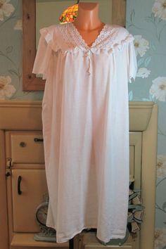 Vtg white Victorian style sissy frilly nightgown nightshirt nightie XL/XXL 13515