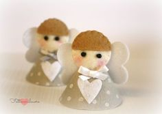 little felt angel (Italian tutorial) Angel Crafts, Felt Crafts, Christmas Crafts, Diy And Crafts, Christmas Ornaments, Christmas Angels, Christmas Diy, Felt Angel, Party Co