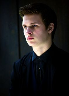 Ansel Elgort : Photo