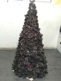We Create we decorate we design Christmas Decoration Items, Christmas Items, Handmade Christmas, Christmas Tree, Holiday Decor, Crea Design, Handmade Design, Happy Holidays, Interior Architecture