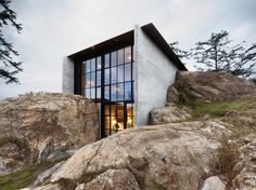 LA CASA DE LAS ROCAS [] HOUSE OF THE ROCKS