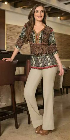 Kurta Designs, Blouse Designs, Moda Indiana, Dress Neck Designs, Maxi Dress With Sleeves, Blouse Styles, Work Attire, Blouses For Women, Ideias Fashion