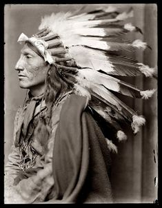 Whirling Horse - Oglala - 1900