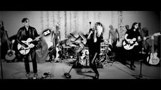 "THE DEAD WEATHER ""I Feel Love (Every Million Miles)"" - Live Performance ..."