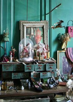 """from """"Le Divan Fumoir Bohémien"""" and hoping to learn Curiosity Cabinet, Cabinet Of Curiosities, Deco Boheme, Architecture Tattoo, Eclectic Decor, Vignettes, Decoration, Painted Furniture, Retro Vintage"""