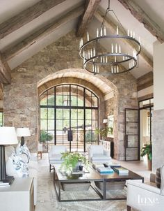 gorgeous mountain home. Inviting mountain home defined by cozy warmth in the Colorado Rockies. (Image Courtesy of Katy Allen Interior Design) Colorado Mountain Homes, Colorado Rockies, Colorado Homes, Colorado Mountains, Colorado Springs, Lustre Grande, Iron Chandeliers, Home Living Room, Stone Wall Living Room