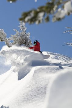 Diamond Peak Ski Resort at Incline Village, Lake Tahoe offers great package deals, affordable ticket prices, uncrowded skiing and beautiful view of Lake Tahoe! Nevada, Lake Tahoe Skiing, Ski Deals, Ski Lodge Decor, Incline Village, California, Snowboarding, Great Places, Art Photography