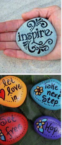 love this idea for kids, decorate them and put them in the garden, or in a jar at your OOSH. More great ideas at .auI love this idea for kids, decorate them and put them in the garden, or in a jar at your OOSH. More great ideas at . Pebble Painting, Pebble Art, Stone Painting, Painting Flowers, Painting Canvas, Stone Crafts, Rock Crafts, Arts And Crafts, Arte Bar