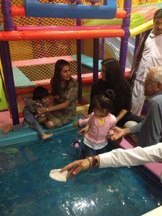 Aishwarya Rai Bachchan with her daughter Aaradhya Bachchan