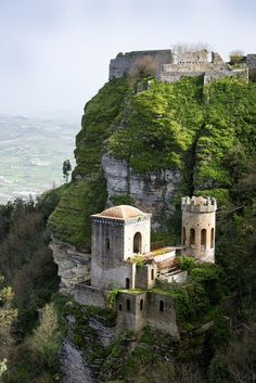 * Ilha da Sicília * Erice Castles - City of Erice, Sicily, Italy Places Around The World, The Places Youll Go, Places To See, Around The Worlds, Wonderful Places, Beautiful Places, Places To Travel, Travel Destinations, Travel Tips