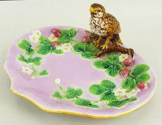 "George Jones majolica strawberry serving dish c. 1875     10 1/4""w"