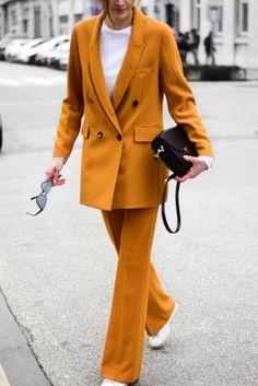 Most famous ZARA mustard suit - Street Style 😎 Fashion Mode, Fashion Week, Winter Fashion, Fashion Looks, Womens Fashion, Fashion Trends, Emo Fashion, Gothic Fashion, Paris Fashion