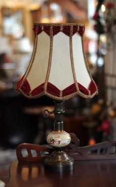 Simple elegance. #Antique #Lampshade