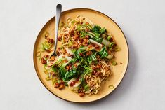Vega gehakt van tofu met mie en paksoi - Recept - Allerhande - Albert Heijn Asian Gf, Tofu, Asian Recipes, Ethnic Recipes, Tasty Dishes, Pasta Salad, Vegetarian Recipes, Curry, Dinner Recipes