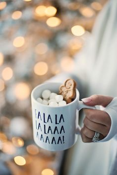 A hot chocolate and a cozy blanket on a chilly day is a treat! Add a few dashes of peppermint essential oil to the drink for an extra festive flavor! Have any hot chocolate recipes you love? Share below. Christmas Time Is Here, Christmas Mood, Merry Little Christmas, Noel Christmas, All Things Christmas, Christmas Couple, Christmas Flatlay, Winter Things, Christmas Quotes