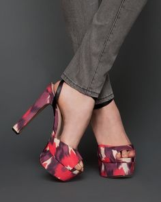 Bianca by ShoeMint. Dream Shoes, Crazy Shoes, Me Too Shoes, Fab Shoes, Ty Dye, Bon Look, Spring Heels, Shoe Gallery, Platform High Heels