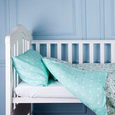 Фото утро девушки постель под простыней