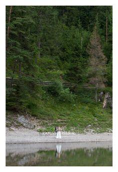 #esküvő #fotózás #wedding #photography #KapuváriGábor #kapuvarigabor #weddingphotography  #bride #groom #menyasszony #menyasszonyicsokor #bridalbouquet #engagement #trashthedress #ttd #weddingparty #wedding2019 #wedding2018 #wpja #agwpja  #eskuvo #hungarianweddingaward Country Roads, Wedding Photography, Vintage, Vintage Comics, Wedding Photos, Wedding Pictures