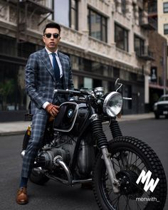 A personal goal of mine next year is to ride my Cafe Racer more. Living in Cali, I'm lucky that I can ride it all year long (and daily if… Suit Up, Suit And Tie, Street Style Suit, Dapper Day Outfits, Fall Outfits, Suit Accessories, Dapper Men, Gentleman Style, Mens Clothing Styles