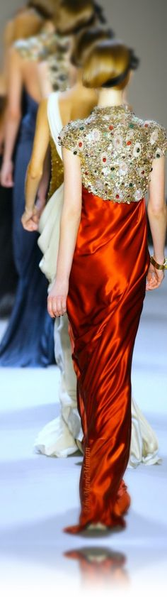 Monique Lhuillier - V Beautiful Gowns, Beautiful Outfits, Cool Outfits, Gorgeous Dress, Beautiful Clothes, Haute Couture Paris, Haute Couture Fashion, Only Fashion, Fashion Art