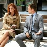 Here are 27 pictures of Jessica, Donna and Rachel from 'Suits' to give you office style inspiration. Donna Suits, Suits Rachel, Suits Season 5, Season 4, Mike Suits, Rachel Zane Outfits, Suits Episodes, Donna Paulsen, Sarah Rafferty