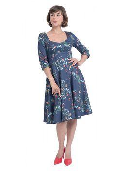 """Nádherné šaty, které si vás získají svým originálním vzorem. Modrý podklad s drobnými květinami a ptáčky z Vás udělá dámu, kamkoli půjdete - na svatbě, na zahradní slavnosti, na dovolené, ale i třeba v kanceláři. Příjemně řešený dekolt, tříčtvrteční rukávek. Živůtek projmutý, pevný pas, sukně směrem dolů rozšířená. Zapínání na zip v zadní části, lehce strečový materiál (97% polyester, 3% elastan). Pro bohatší objem sukně můžete doplnit spodničkou z naší nabídky v délce 23"""". Peony Print, Red Peonies, Pump It Up, Flare Skirt, Swing Dress, Everyday Fashion, Vintage Inspired, Pure Products, Navy"""