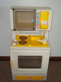 Vintage Little Tikes Child Size Kitchen Stove Oven Sink Play Fun with Food Toy in Toys & Hobbies | Had many fun days with this as a kid