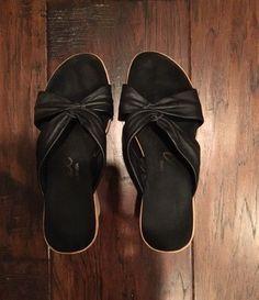 ba7efa0c59aa Onex Wedge Sandals Black Leather Puffy Women s Size 5 Good Condition   fashion  clothing