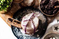 Bezglutenowe, wegańskie bułeczki z makiem i cukrem-pudrem z ksylitolu - Misa Mocy
