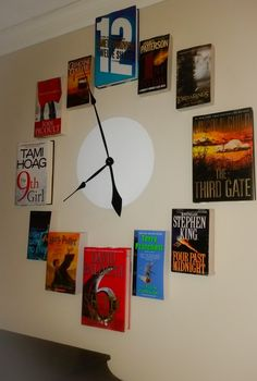 How to make a wall clock with books