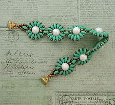 Linda's Crafty Inspirations: Bracelet of the Day: Roulette Bracelet - Turquoise & White