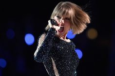 Little Big Town Singer Comes to Taylor Swift's Defense After Women's March Backlash