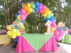I don't like balloon arches but for this party it's perfect