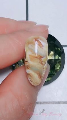 Stone halo dyeing nail art design nail beauty- show you all kinds of nail desins and ideas for lady's beauty: beautiful nails, nail art, nail care, nail art designs, nails and beauty Acrylic Nail Designs, Acrylic Nails, Gel Nails, Nail Art Designs Videos, Nail Art Videos, Nail Art Hacks, Nail Art Diy, How To Nail Art, Marble Nails Tutorial