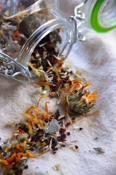 DIY Fragrant natural herbal tea blends you can make at home to help you relax and prepare for cold and flu season!