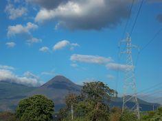 Volcan de Izalco, desde la carretera de Sonsonate