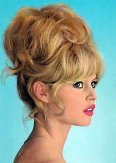 An in-depth breakdown of iconic Brigitte Bardot hair & makeup looks. From updos & bangs to eyeliner & nude lips, learn how to re-create her signature beauty Vintage Hairstyles, Braided Hairstyles, Wedding Hairstyles, Trendy Hairstyles, 1960s Hairstyles, Bb Beauty, Hair Beauty, Blonde Beauty, Bridget Bardot Hair