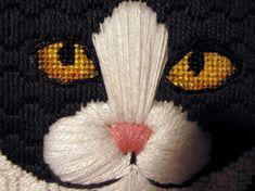 Needlepoint Stitches, Needlepoint Patterns, Needlework, Embroidery Fabric, Fabric Art, Cross Stitch Embroidery, Cat Crafts, Canvas Crafts, Plastic Canvas Patterns