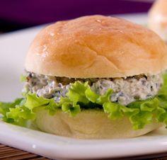 Mini Sanduíches de Pasta de Azeitonas
