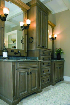 Mediterranean Bathroom Design, Pictures, Remodel, Decor and Ideas - page 24 Bathroom Renos, Master Bathroom, Bathroom Cabinets, Bathroom Ideas, Kitchen Cabinets, Bathroom Vanities, Linen Cabinets, Bathroom Floor Plans, Bathroom Pictures