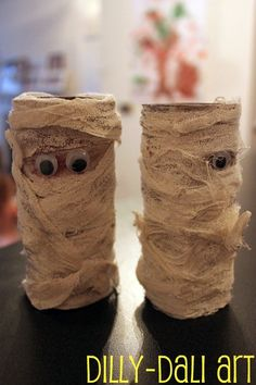 Dilly-Dali Art: TP Roll Mummies. Decorations in themselves plus then fun for printing.