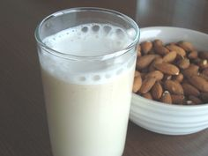 How to Make All-Natural Almond Milk