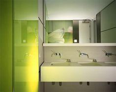 Image 16 of 24 from gallery of Deloitte Consulting / Mackay & Partners. Office Bathroom, Bathroom Toilets, Modern Bathroom, Bathroom Ideas, Restroom Design, Dental Office Design, Dental Offices, Commercial Design, Commercial Interiors