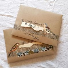 Very cool use of washi tapes for this envelope art design! Perfect for snail mail and happy mail! Creative Gift Wrapping, Creative Gifts, Wrapping Ideas, Wrapping Presents, Diy Cadeau Noel, Mail Art Envelopes, Snail Mail Pen Pals, Pen Pal Letters, Decorated Envelopes