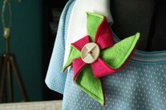 Pinwheel brooch from recycled felt tutorial courtesy of Crafting a Green World.