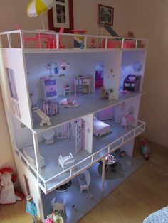 Kids Doll House, Doll House Plans, Doll House Crafts, Barbie Doll House, Barbie Dream, Barbie Dolls, Doll Houses, Barbie Clothes, Barbie House Furniture