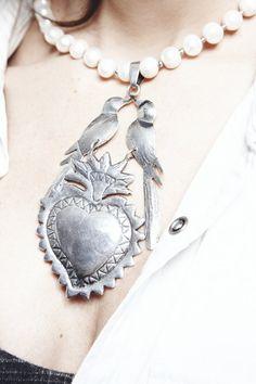 Collar de perlas cultivadas de plata que me compré enMéxicoy que ahora se puede comprar en cualquier parte del mundo enAna Maria Eder-Pérez.